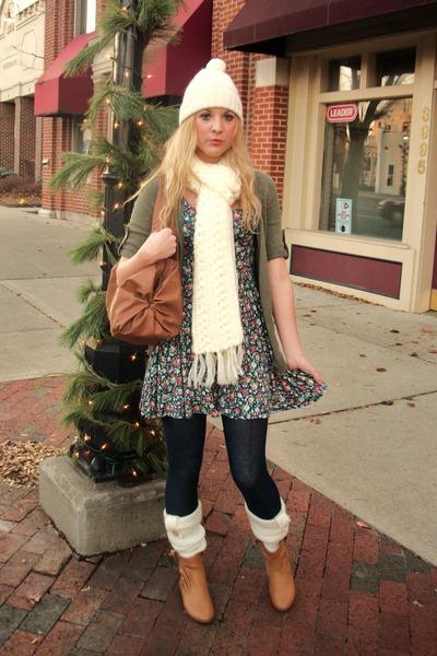 С чем носить гетры зимой