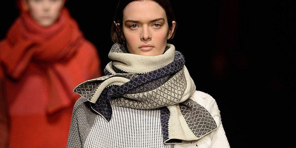 Как подобрать шарф к пальто