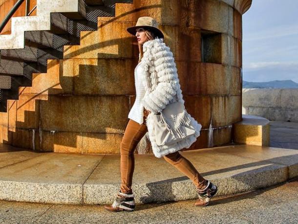 Как подобрать головной убор к пальто