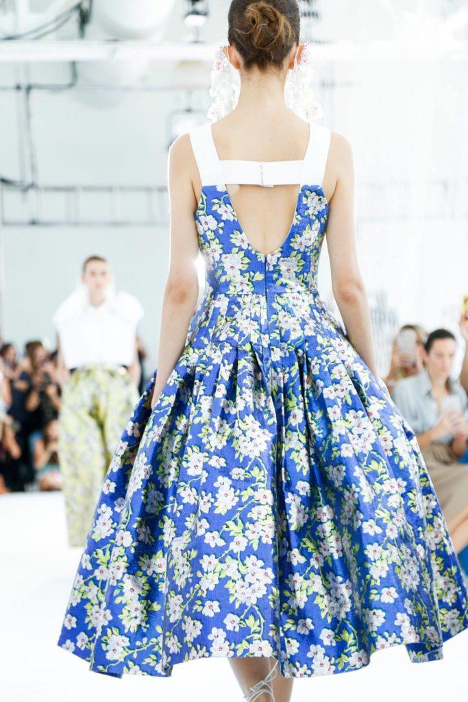 Как носить платье в цветочек