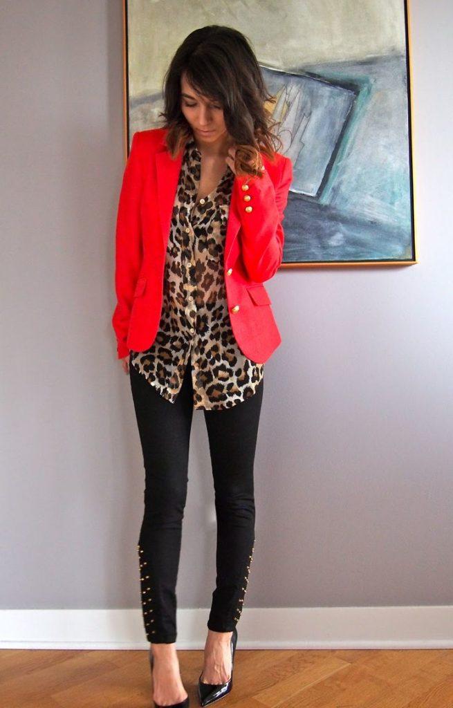 Как носить леопардовую блузку